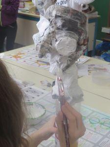 Peindre sa marionnette en blanc
