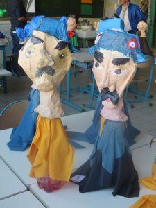 Marionnettes de gendarmes réalisées par les enfants
