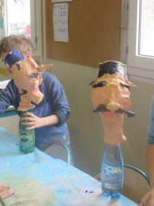 Des marionnettes à l'école Charles de Foucault