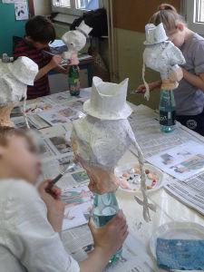 Peindre sa marionnette en papier mâché