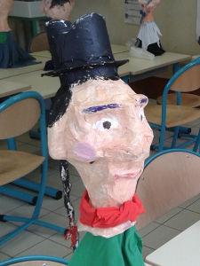 Marionnette de Guignol en papier mâché