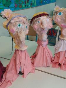 Des Madame Boulou tout de rose vêtues