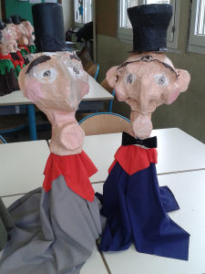 Marionnettes de Guignol fabriquées par les enfants