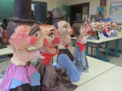 Marionnettes de Gnafron vues de profil