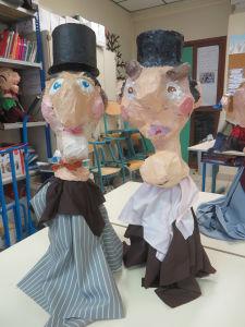 Marionnettes avec chapeau haut de forme