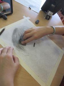 Commencer par dessiner le volume des cheveux