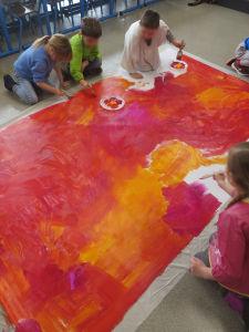 Peindre les bâches au sol