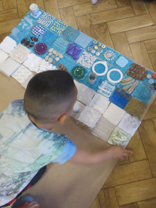 Les enfants testent des compositions