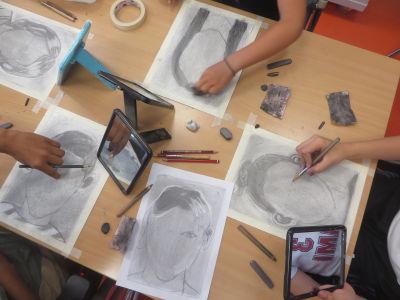 Cours de dessin avec les enfants