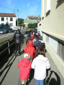 Le chemin de l'école au parc