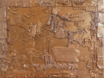 Bas-relief en argile avant la peinture
