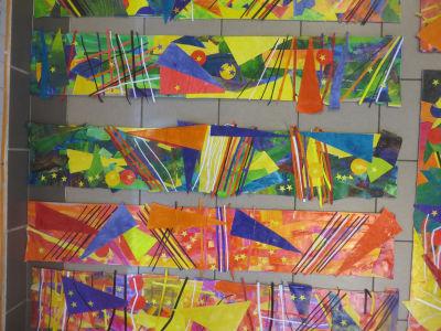Découpage et collage de papiers colorés