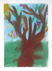 Dessiner un arbre à l'école Jeanne d'Arc à Genas