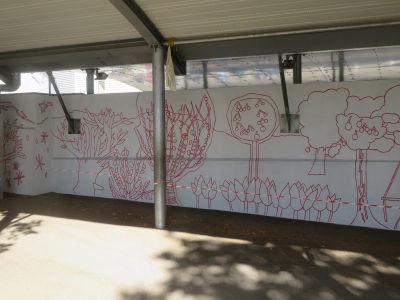 Réalisation d'un mur peint à l'école Jeanne d'Arc à Genas