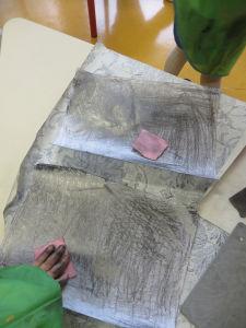 Papier gris foncé