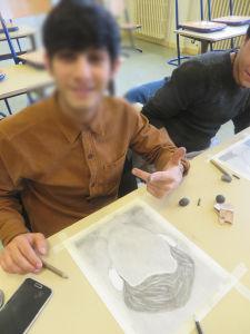 Atelier de dessin au lycée