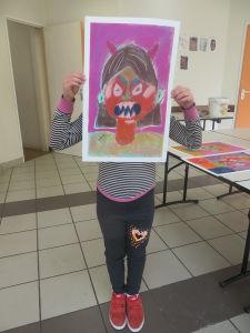 Autoportrait méchant en couleurs