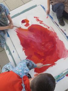 Commencer par peindre le fond coloré