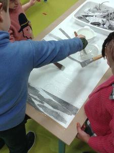 Oeuvre collaborative avec des enfants de maternelle