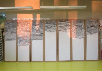 Créer un paysage avec des papiers gris
