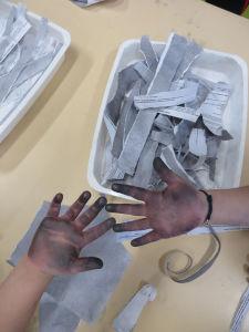 Du crayon à papier plein les mains