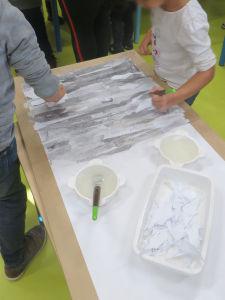 Créer un ciel avec du papier déchiré