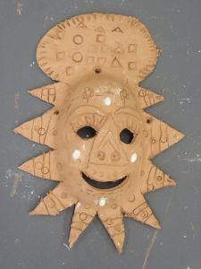 Masque décoré de signes