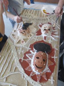 Peinture du masque en céramique