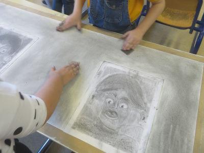 Couvrir la feuille de mine graphite