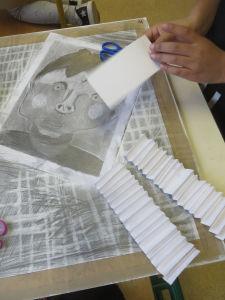 Découpage, collage et dessin