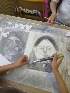 Créer en découpage et dessin