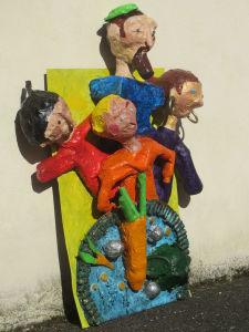 Personnages créés avec des objets recyclés