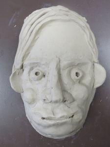 Modelage d'une tête d'enfant