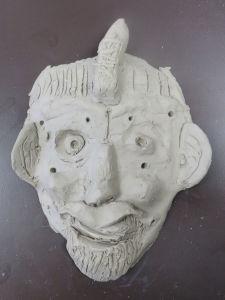 Créer des masques à l'école