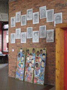 Exposition des dessins et du bas-relief collectif