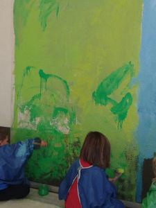 Fresque peinte avec les enfants