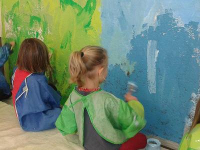 Mur peint avec les enfants