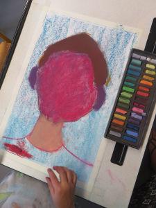 Portrait au visage rose