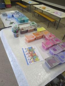 Pots de peinture pour la fresque