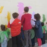 Peindre les fonds avec les élèves de PS/MS et CM2