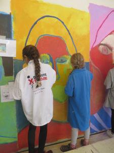 Peindre un portrait sur le mur