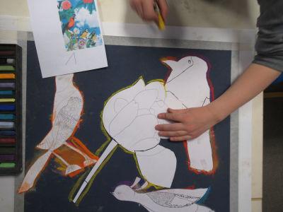 Positionner les silhouettes en papier