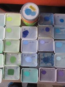 Préparation des couleurs pour la fresque