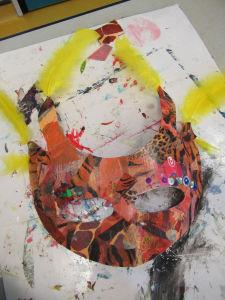 Un atelier pour créer des masques de carnaval