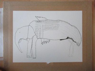 Un éléphant, un poisson et une autruche