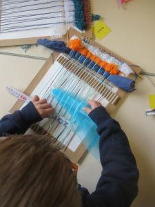 L'écarteur permet de glisser le morceau de tulle
