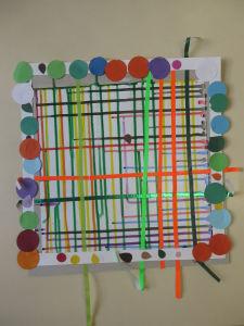 Cadre en gommettes colorées