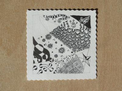 Composition de motifs décoratifs en noir et blanc