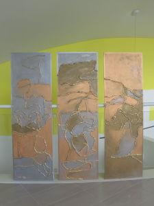 Tableau abstrait en argile crue