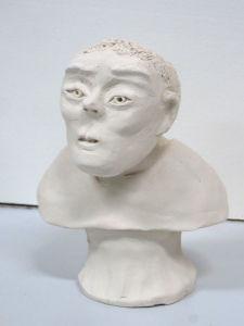 Figurine modelée par un enfant
